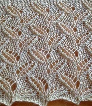 Образец вязания узора Ажурные листики спицами
